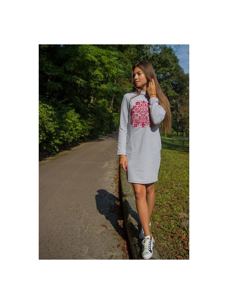 sukienka folkowa haftowana